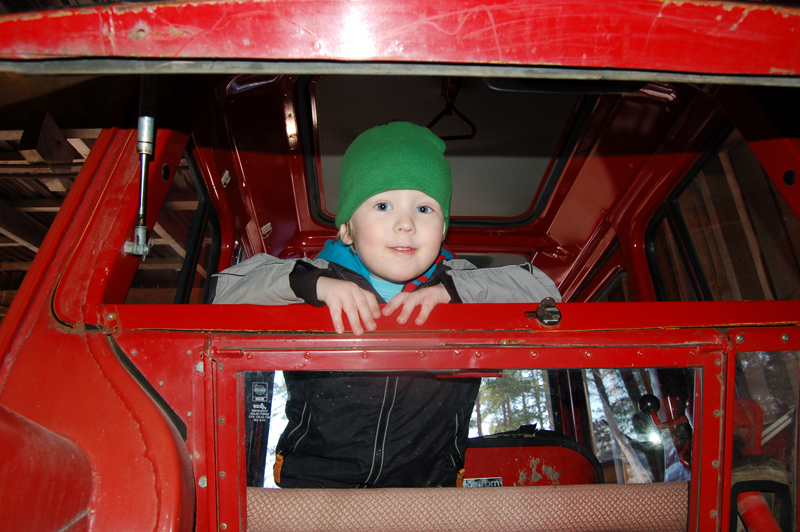 Milo i morfars traktor